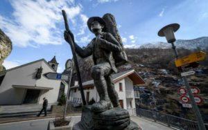 Майнеры обосновались в альпийской деревне, которая ранее славилась своими золотоискателями