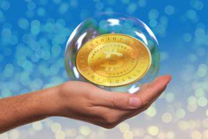 Как СМИ превращают биткоин в «величайший пузырь в истории»