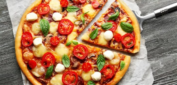 День Биткоин-пиццы: 8 лет назад пицца стоила 10000 биткоинов