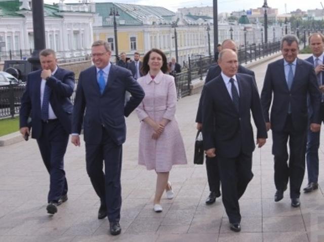 Путин в Омске с обычными гражданами
