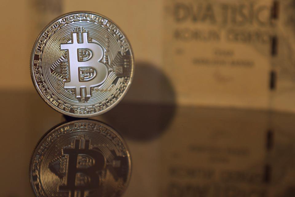 Криптовалюты стали фиатными