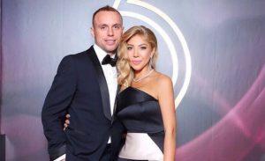 Денис Глушаков разводится с женой