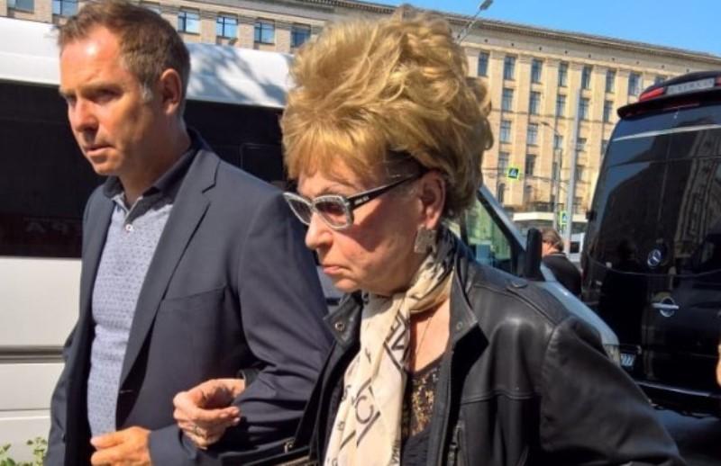 Светлана Моргунова на похоронах Кобзона