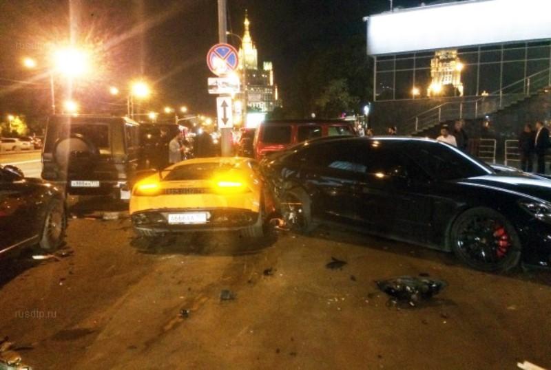 авария Ламборджини в Москве на Новом Арбате