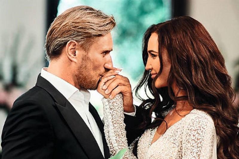 Денис Лебедев жены Замуж за Бузову