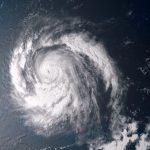 ураган Уилла в Тихом океане