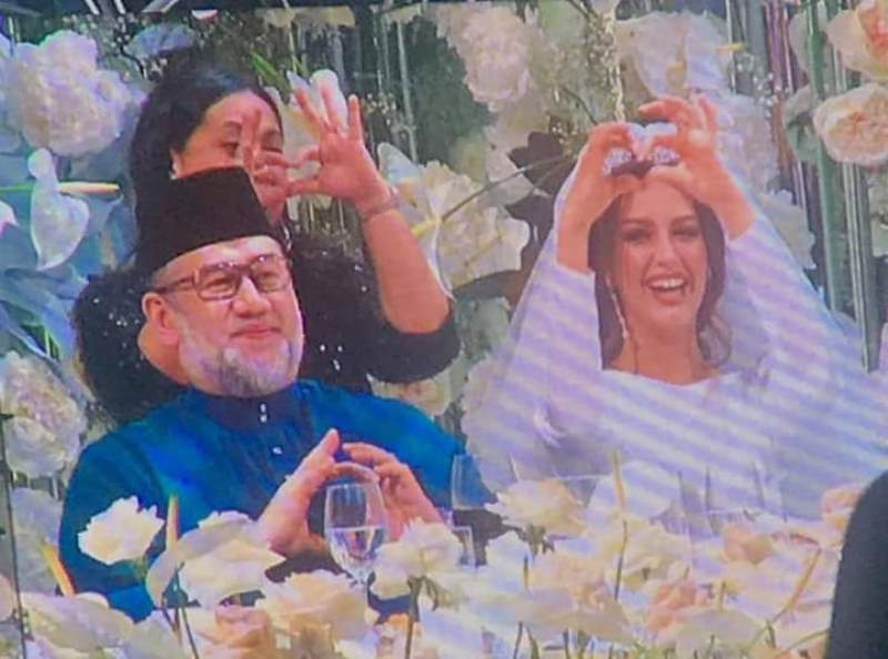 Оксана Воеводина король Малайзии свадьба