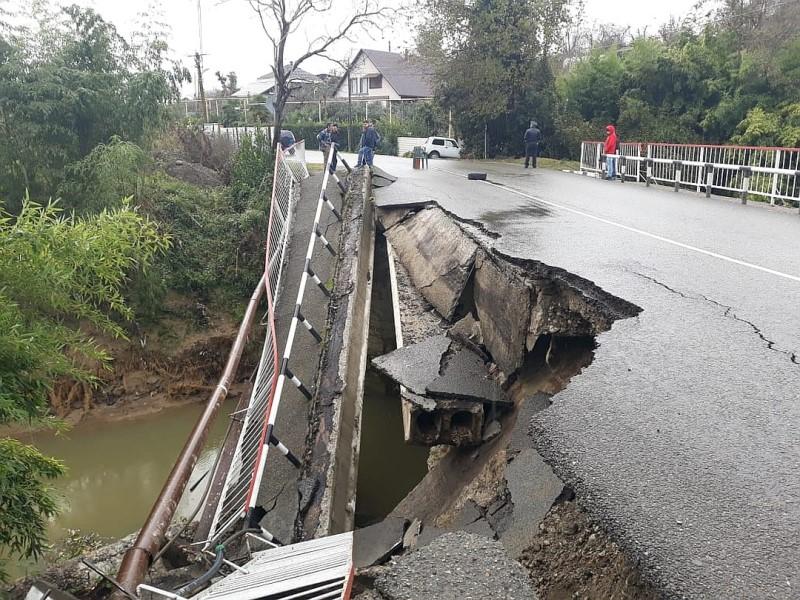 обрушение моста в Сочи