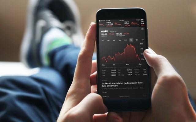 акции Apple падение